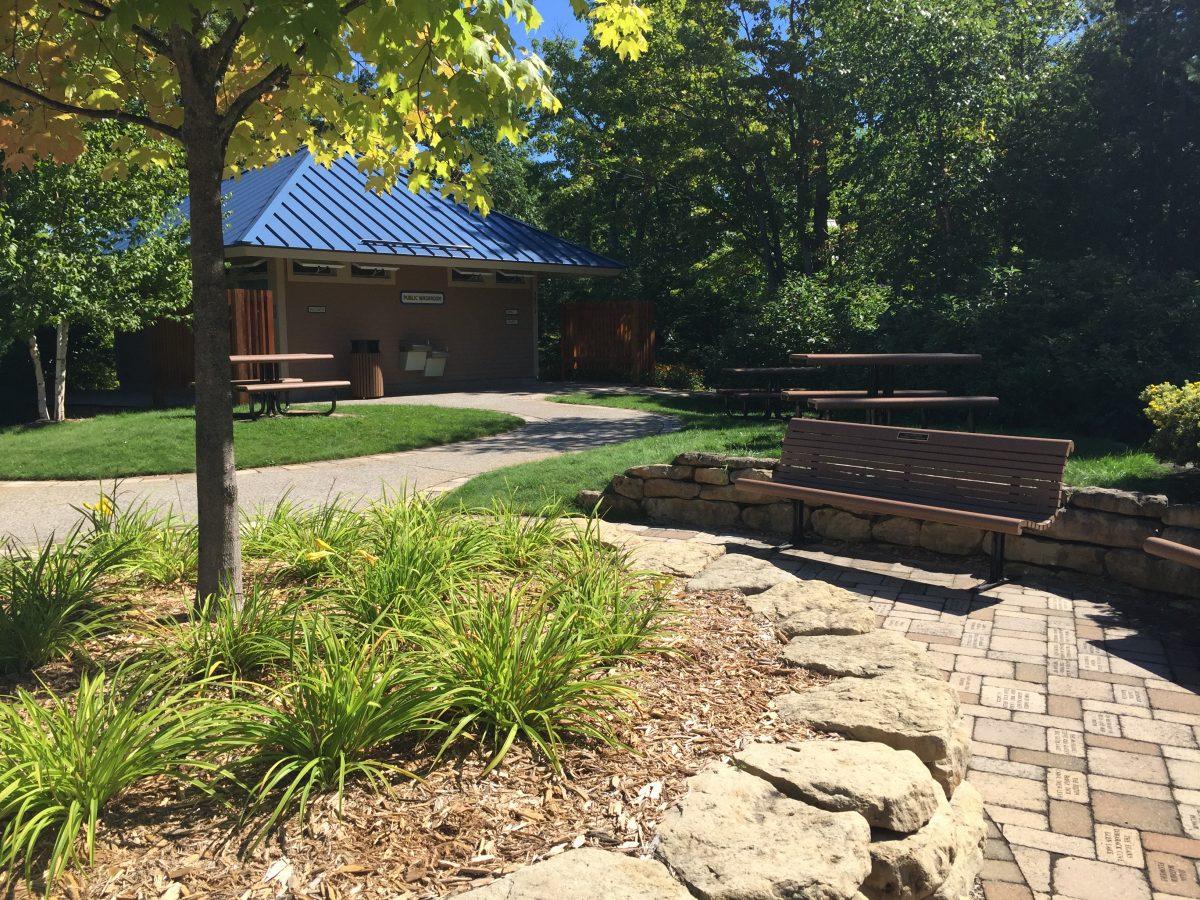 glen arbor garden restroom facilities